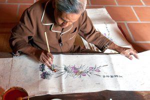 Bacninh-VIETNAM-artisans-Dong-Ho-folk-painting-village-Bac-Ninh